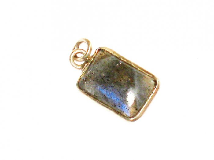 ST637 Labradorite Pendant in Sterling Silver