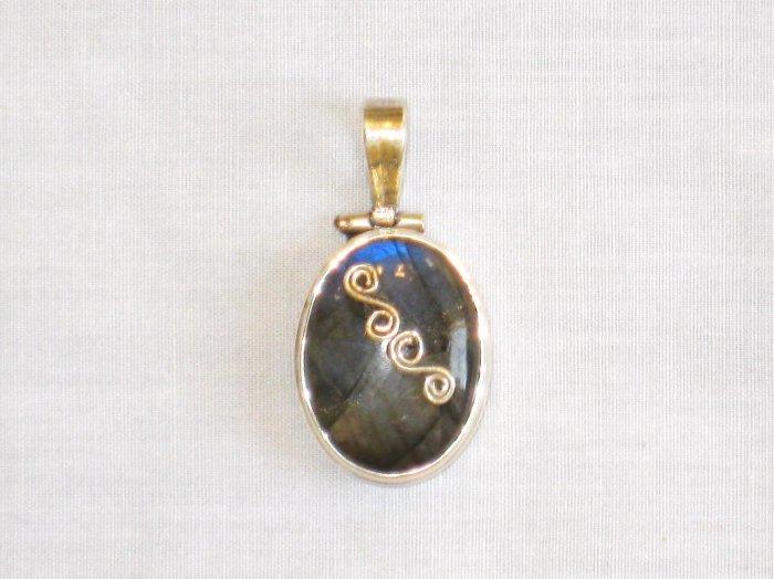 PN436 Labradorite Pendant in Sterling Silver
