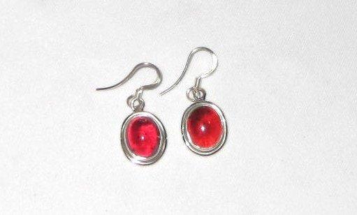 ER033 Garnet Earrings set in sterling silver
