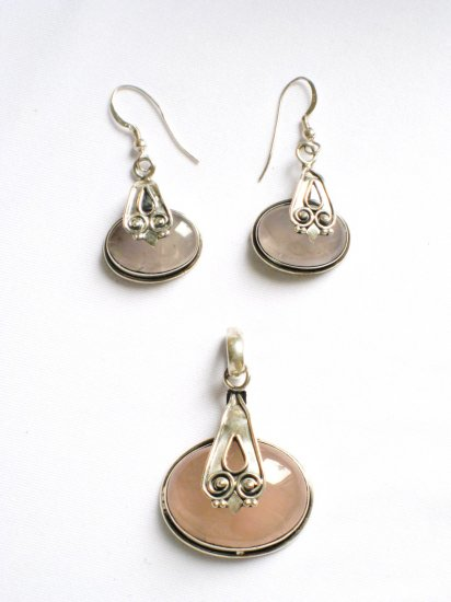 ER109 Rose Quartz Earrings set in sterling silver