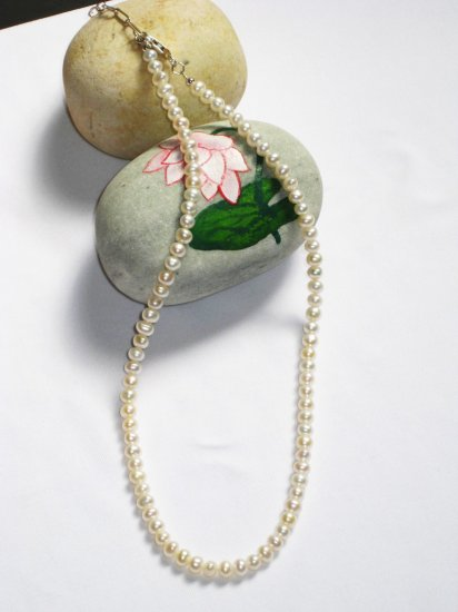 ST333  Pearl Necklace in Sterling Silver