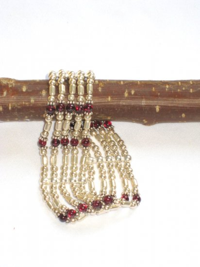 ST263 Garnet Bracelet in Sterling Silver