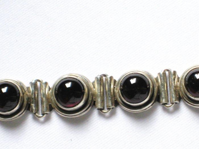 ST020      Amethyst Bracelet in Sterling Silver