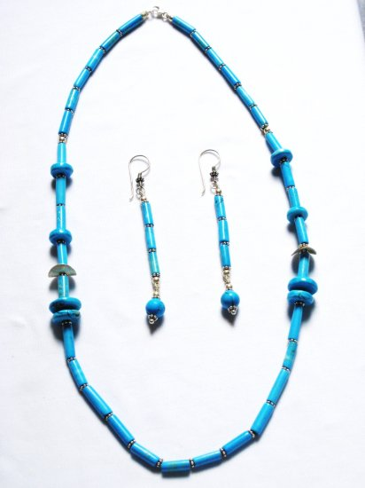 ST191 Turquoise Necklace and Earrings Set in Sterling Silver