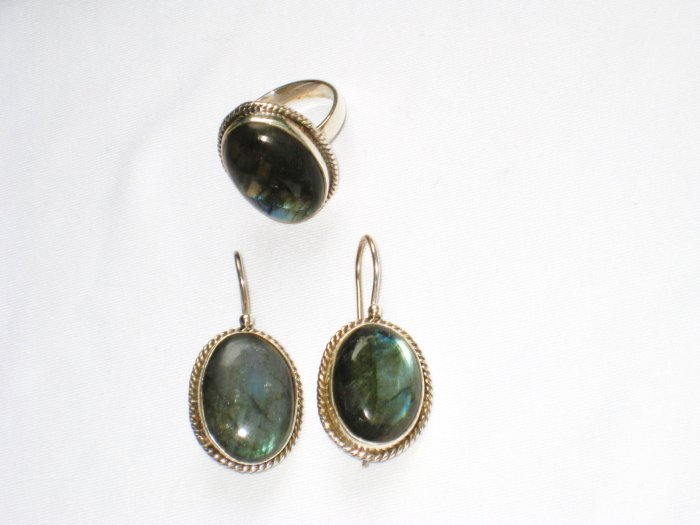 ER103 Labradorite Ring and Earrings Set in Sterling Silver