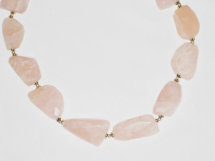 ST539 Rose Quartz Necklace in Sterling Silver