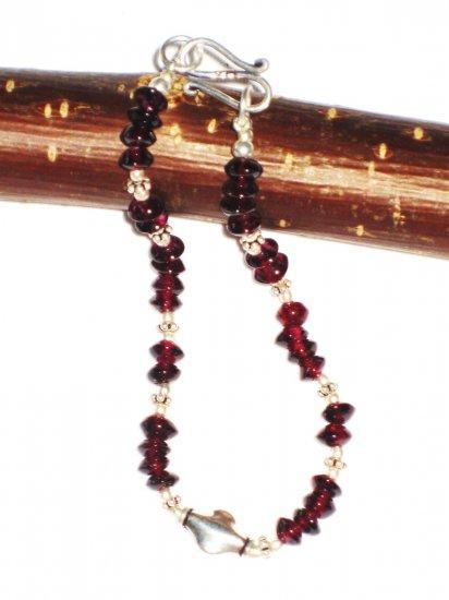 ST479 Garnet Bracelet in Sterling Silver