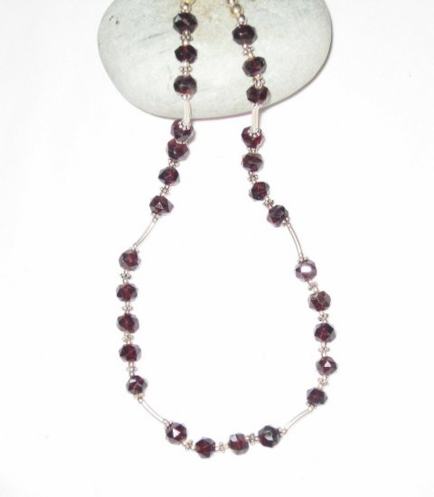 ST468 Garnet Necklace in Sterling Silver