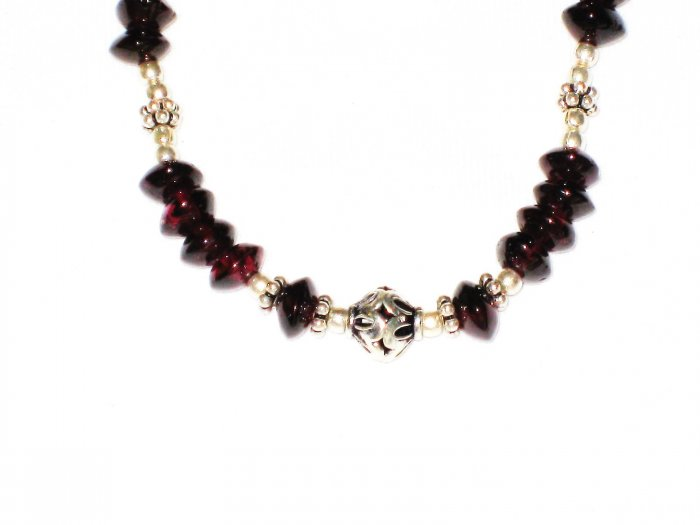 ST535 Garnet Necklace in Sterling Silver