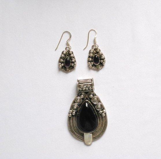 ER107 Garnet Pendant and Earrings Set  in Sterling Silver