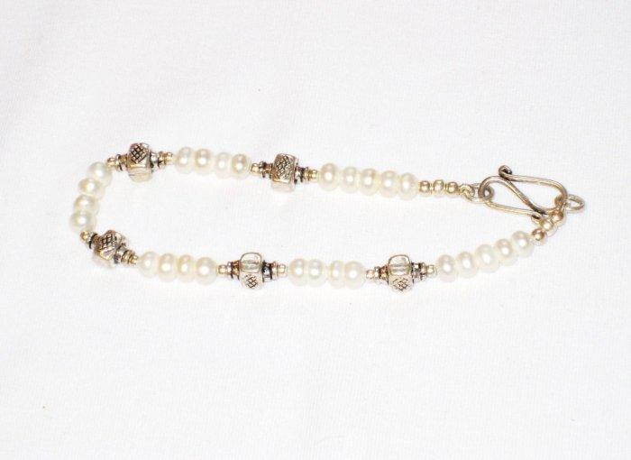 ST170  Pearl Bracelet in Sterling Silver