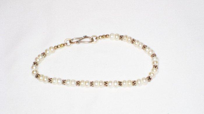 ST171  Pearl Bracelet in Sterling Silver