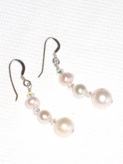 ST406  Pearl Earrings in Sterling Silver