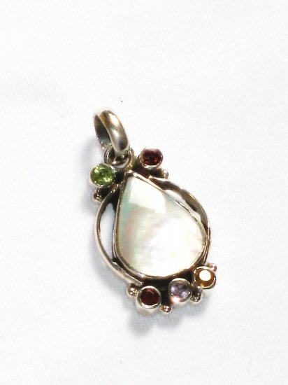 ST242 Mother of Pearl Pendant in Sterling Silver - SOLD