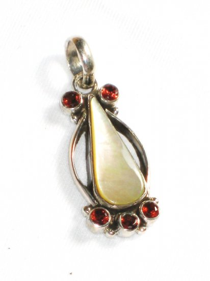 ST245 Mother of Pearl Pendant in Sterling Silver - SOLD