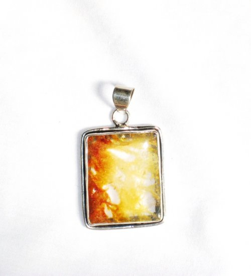 PN146 Agate Pendant in Sterling Silver