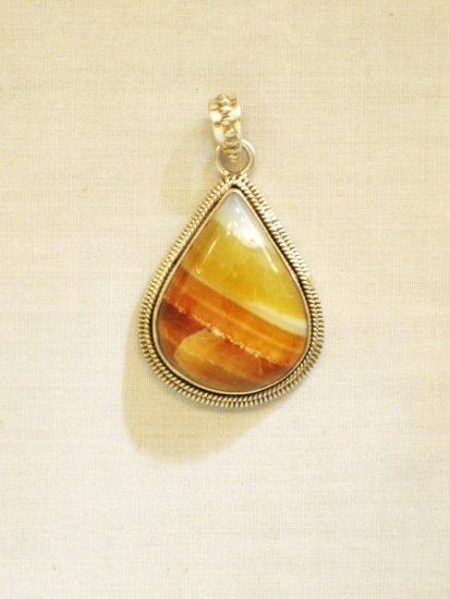 PN406 Agate Pendant in Sterling Silver