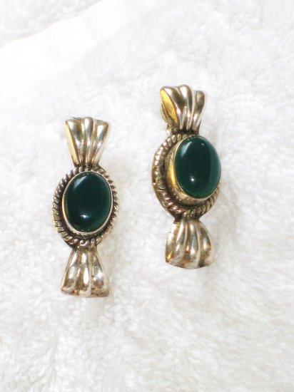ER083       Green Onyx Earrings in Sterling Silver