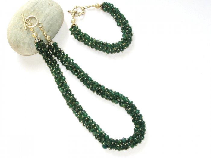 ST354      Green Onyx Necklace and Bracelet Set in Sterling Silver