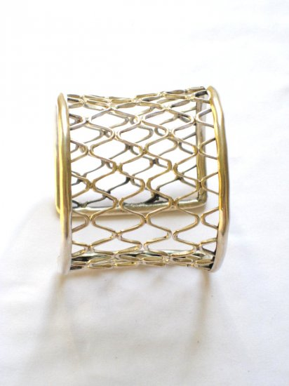AQ069     Bangle  in Sterling Silver
