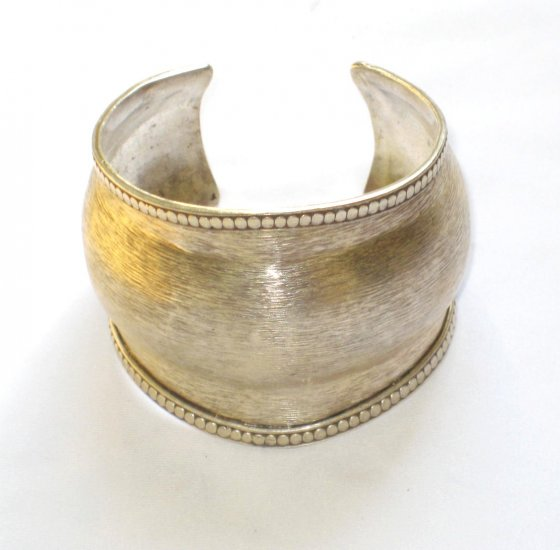 AQ175     Antique Silver Bangle in Sterling Silver