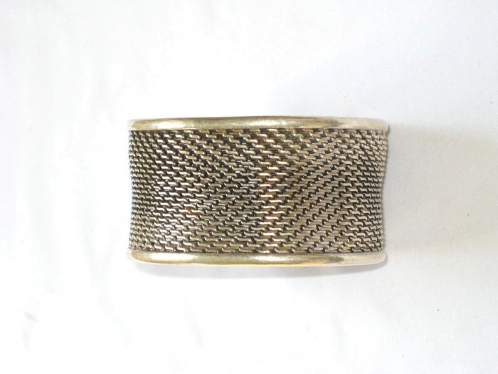 AQ178     Antique Silver Bangle in Sterling Silver