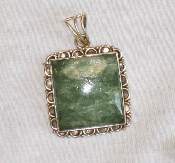 PN421       Turquoise Pendant in Sterling Silver