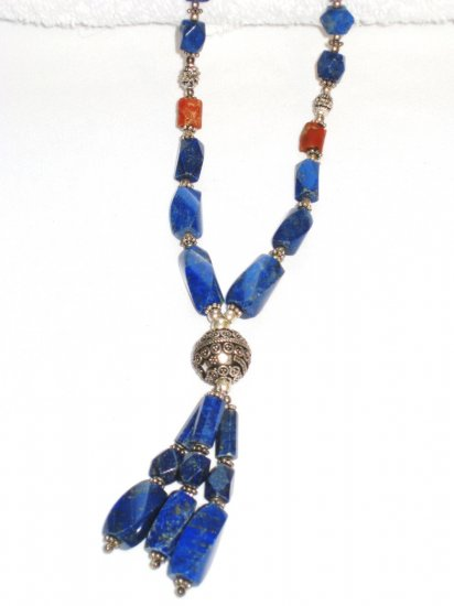 ST106       Lapis Lazuli Necklace in Sterling Silver