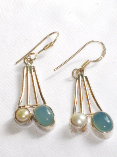 ER072       Chalcedony and Pearl Earrings in Sterling Silver