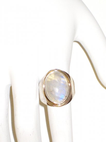 RG032       Moonstone Ring in Sterling Silver