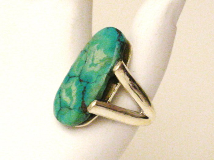 RG123       Turquoise Ring in Sterling Silver, Size 7