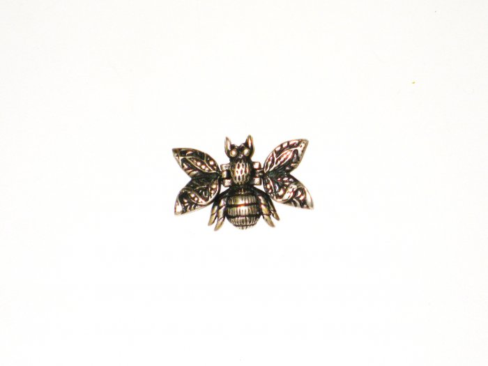CP019       Fly Pendant in Sterling Silver
