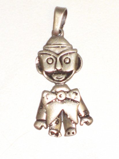 CP023       Street Performer Pendant in Sterling Silver