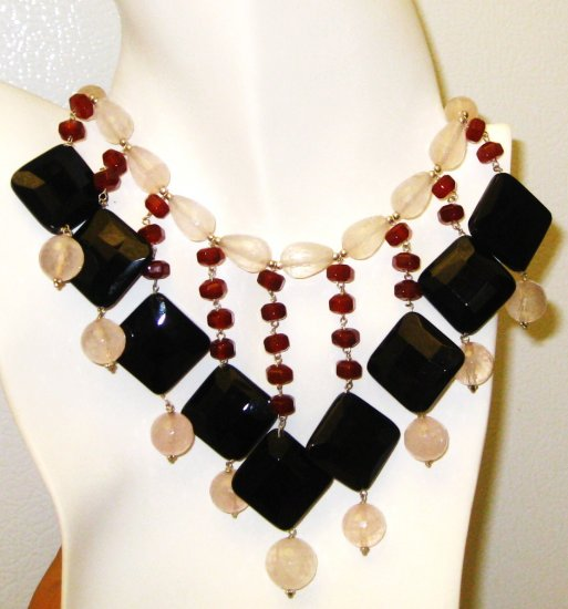 NK021       Rose Quartz, Garnet and Onyx Necklace in Sterling Silver