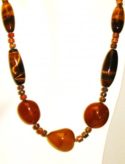 NK027       Tigers Eye Necklace in Sterling Silver