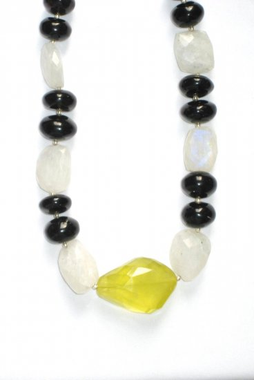 ST041       Moonstone, Onyx Necklace in Sterling Silver
