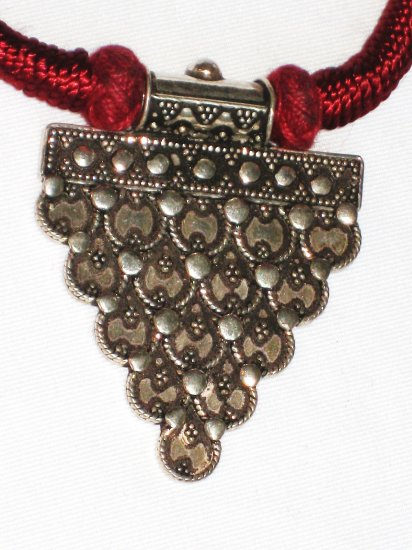 ST117 Antique Silver Necklace in Sterling Silver