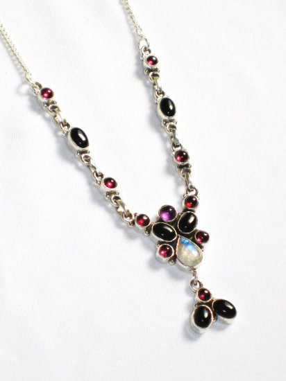 ST236       Cut Stone Mixed Stones Necklace in Sterling Silver