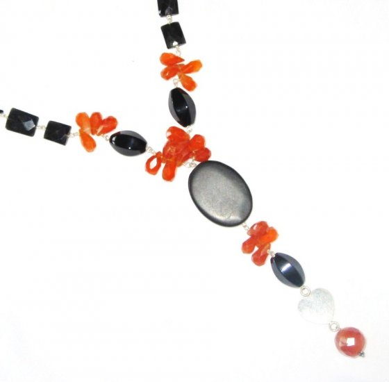 ST469       Carnelian and Onyx  Necklace in Sterling Silver