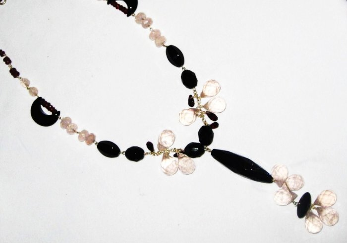 ST473       Rose Quartz and Onyx  Necklace in Sterling Silver