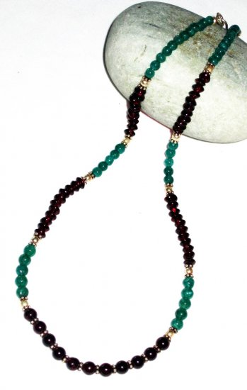 ST503       Garnet and Malachite  Necklace in Sterling Silver