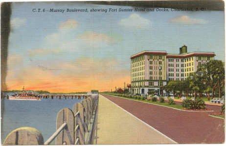 Murray Boulevard., Charleston, SC Postcard Fort Sumter Hotel and Docks 1940   #0077