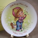 Avon 1982 Mother's Day Plate Little Things Mean A Lot
