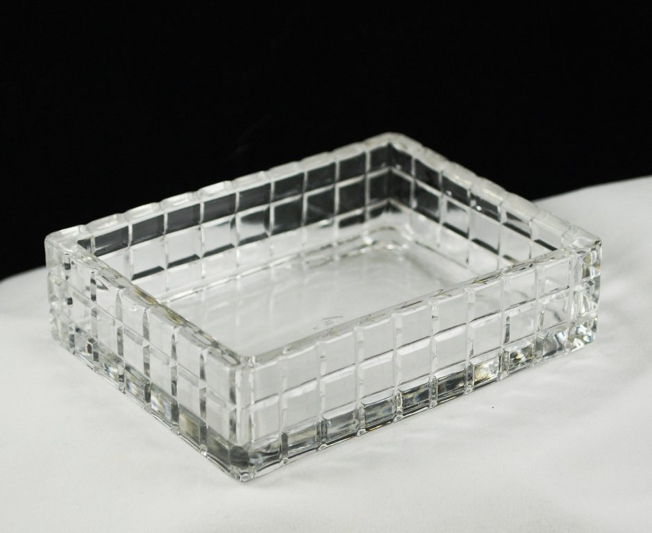 Heisey Victorian Crystal Glass Cigarette Box No. 1425