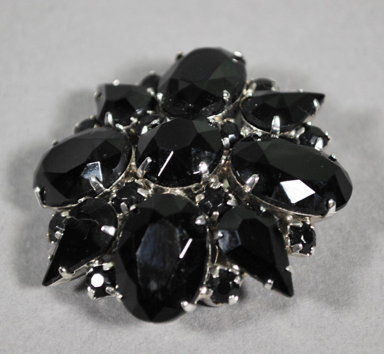 Vintage Jewelry Black Bead in Silvertone Setting Brooch or Pin