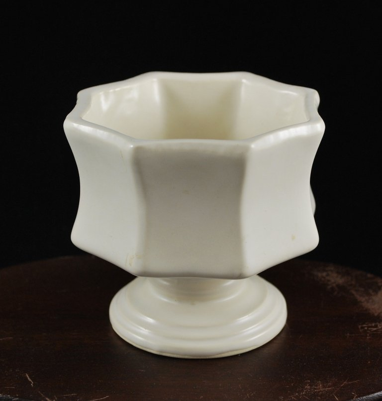 Hull Imperial Florist F8 White Octagon Pedestal Planter