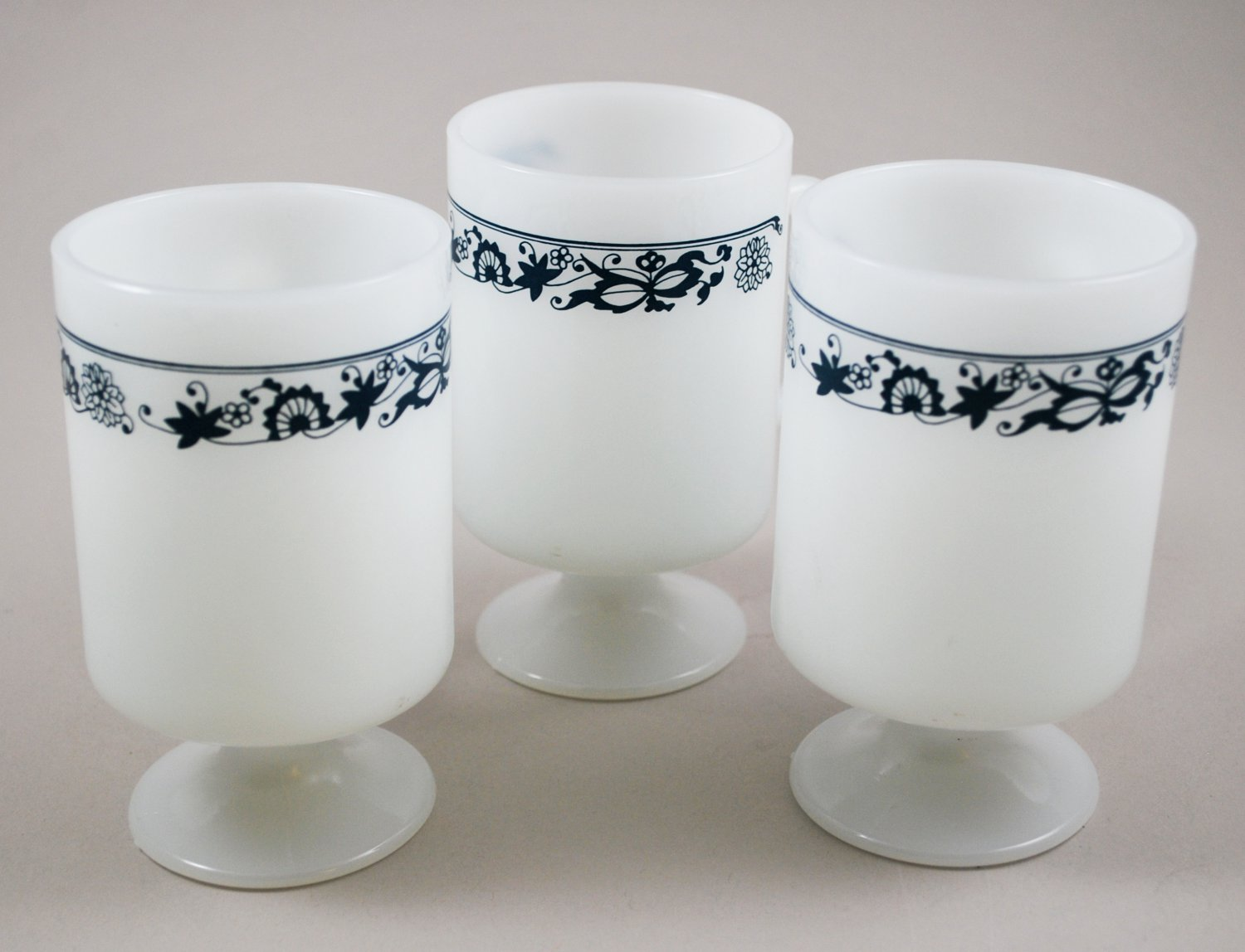 Federal Glass Whiteware Old Town Blue Onion Corelle Pattern Set of 3 Footed Mugs