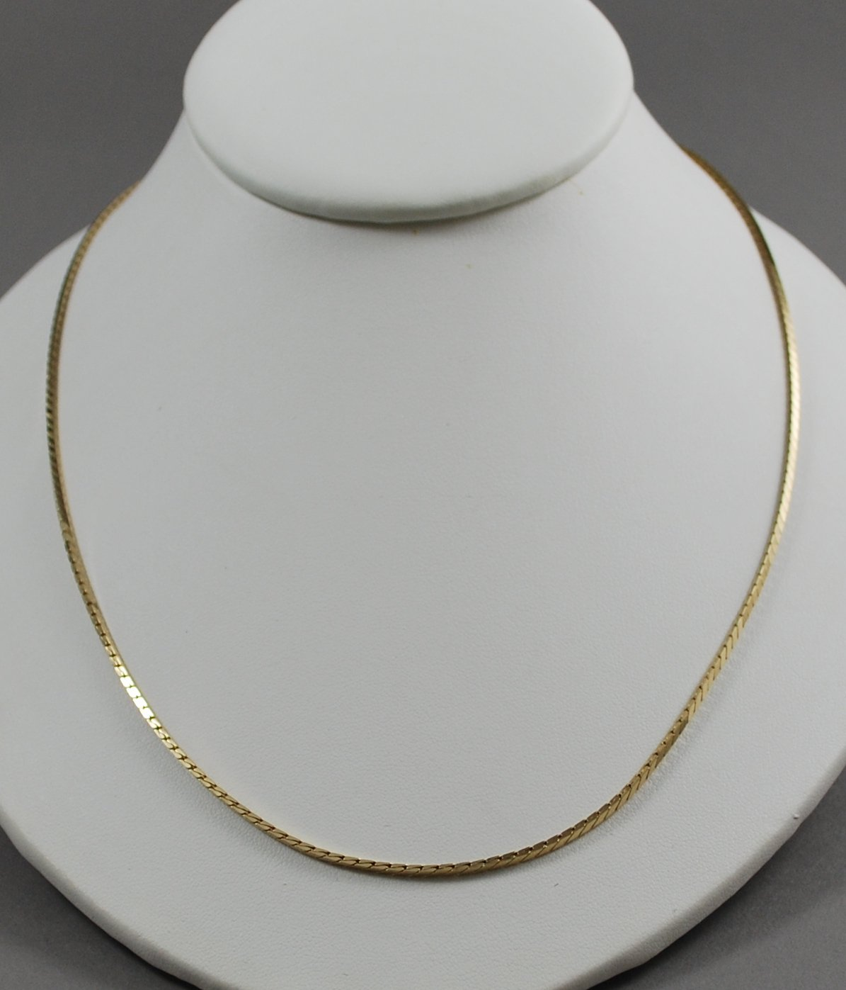 1983 Avon Polished Strands Neckchain in Goldtone