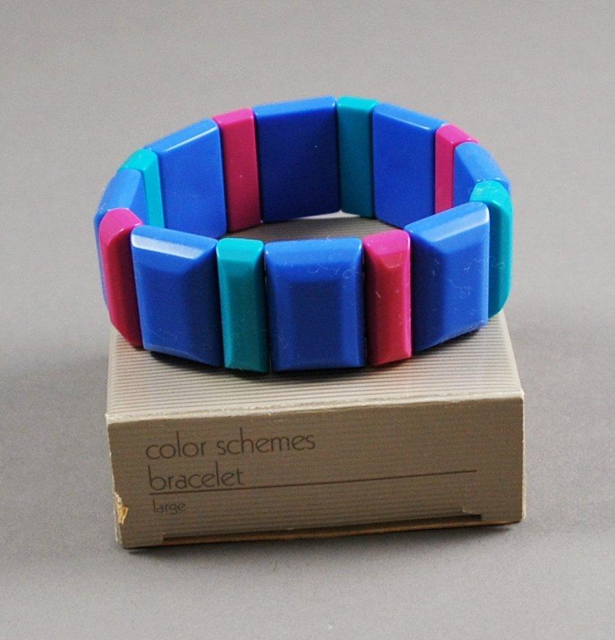 1986 Avon Color Schemes Plastic Stretch Bracelet