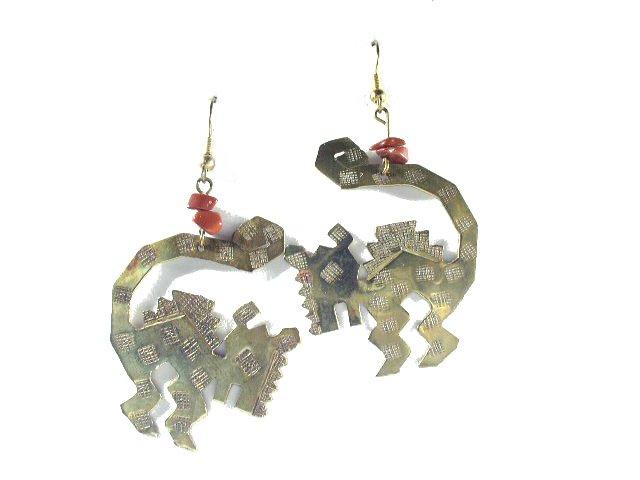 Vtg Artisan Hand Crafted Southwestern Animal Earrings